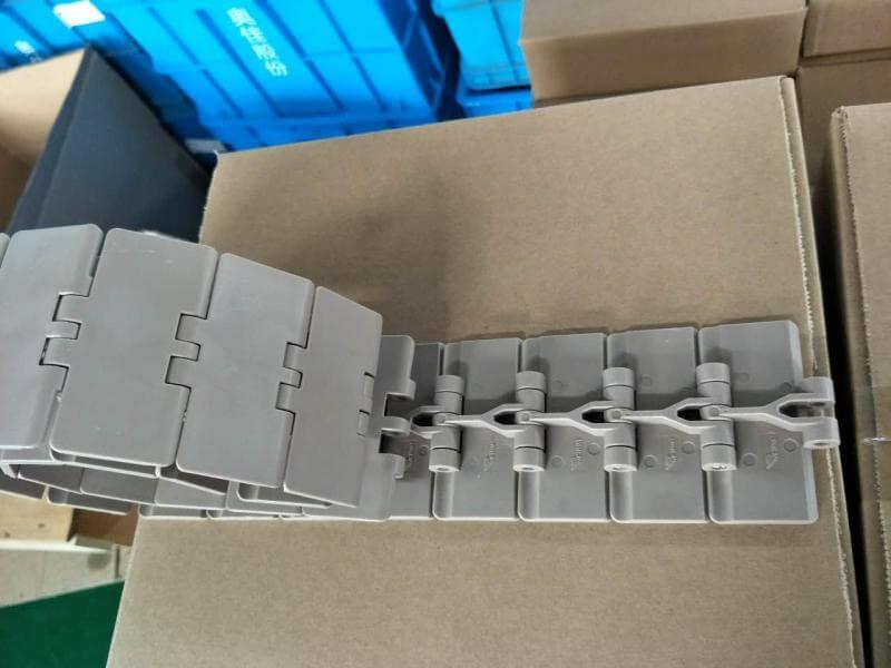 mẫu băng tải xích bằng nhựa